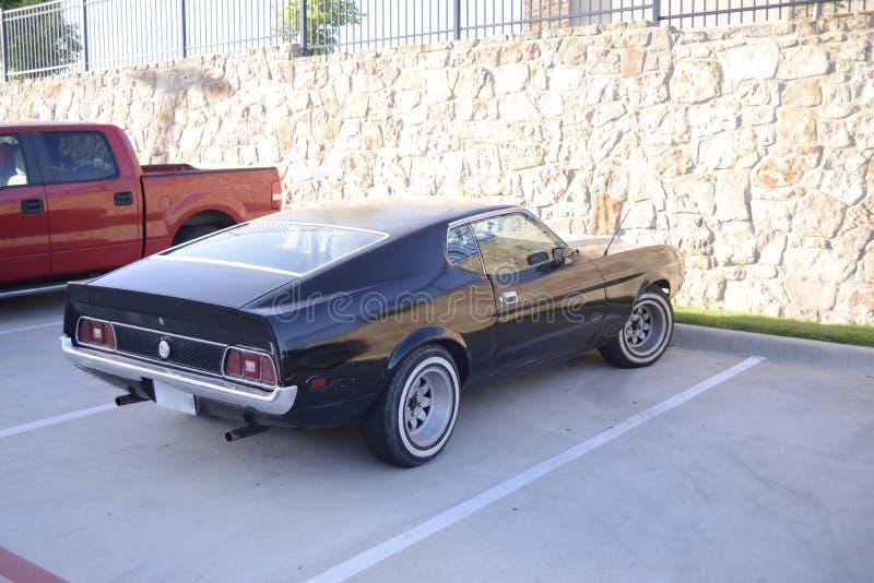Ford Mustang Mach I med Whitewall gummihjul arkivbild