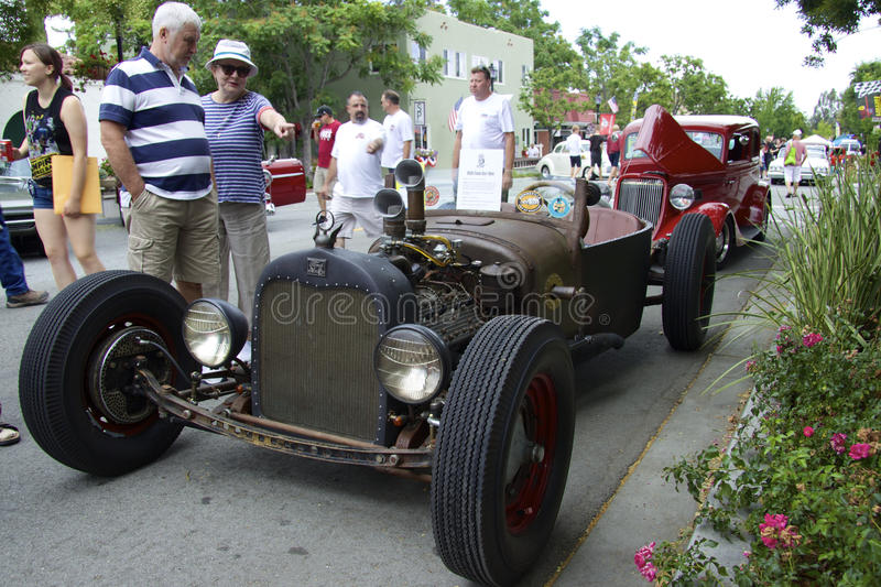 Ford Rat Rod 1926 på showbilarna arkivbild