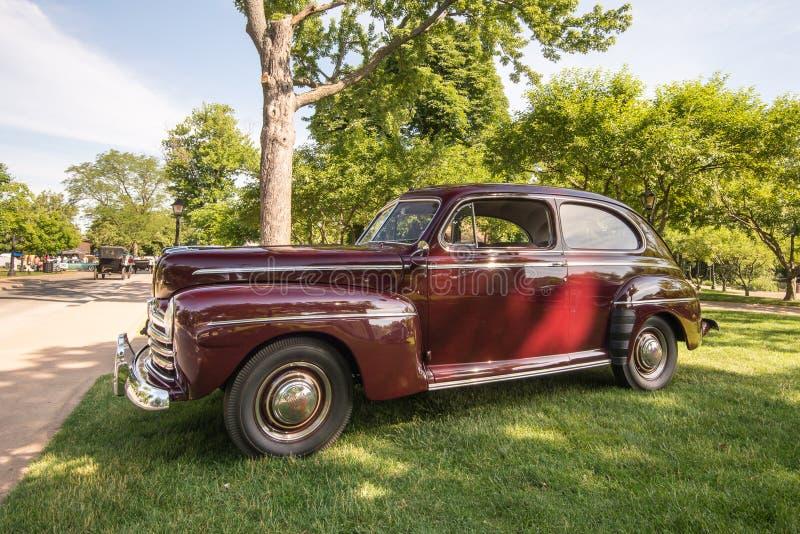 Ford Super Deluxe 1946 imágenes de archivo libres de regalías