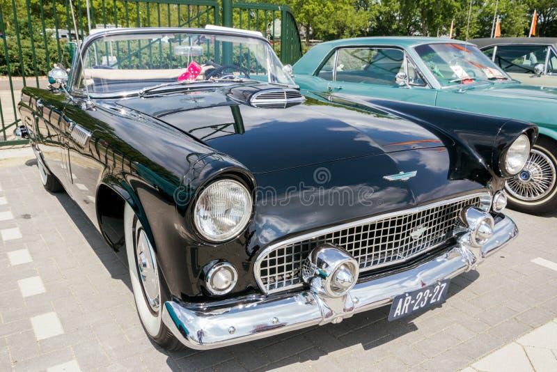Ford Thunderbird-Cabrioletweinleseauto 1956 stockfoto