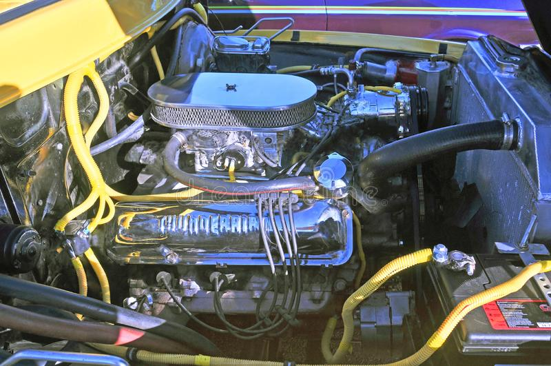 Ford Thunderbird Engine In Vintage Ford Truck imagens de stock royalty free