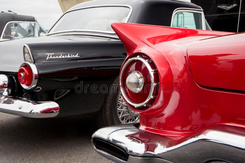 Ford Thunderbirds 1955 et 1956 photos libres de droits