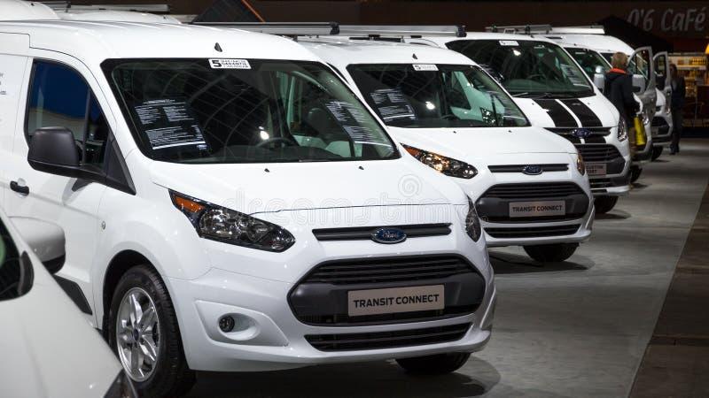 Ford Transit-Nutzfahrzeuge lizenzfreie stockbilder