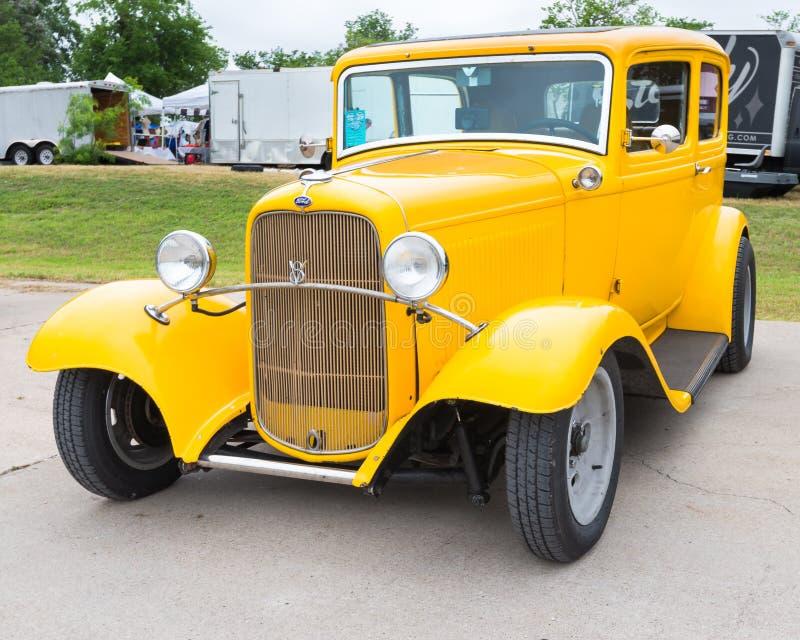 Ford Tudor 1932 royaltyfri bild