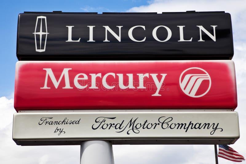 Fordlincoln Mercury-Verkaufßtelle-Zeichen stockfotos