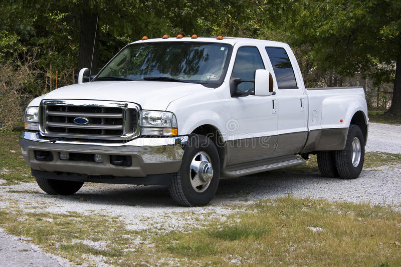 Fordsuperaufgaben-LKW 2004 Doppel- lizenzfreie stockfotografie