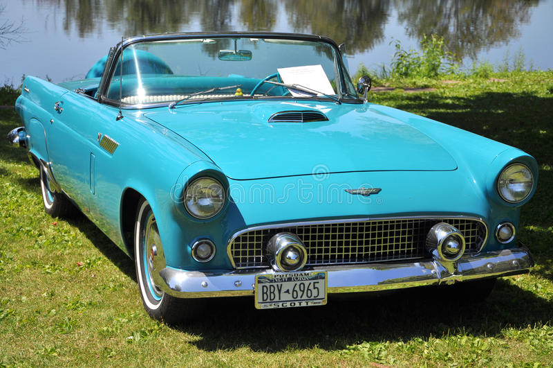 FordThunderbird 1956 stockfoto