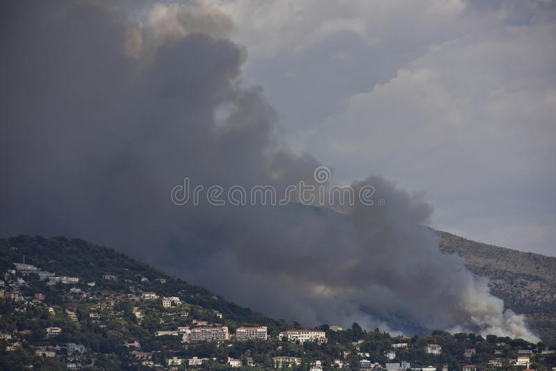 Forest Fire cerca de Mónaco, Europa fotografía de archivo libre de regalías