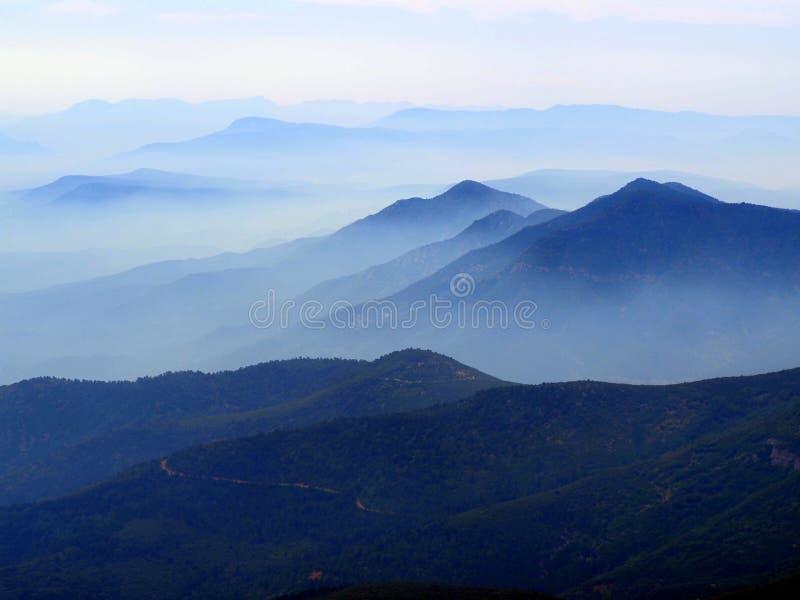 Forest Fire Smoke llena a Prescott National Forest foto de archivo