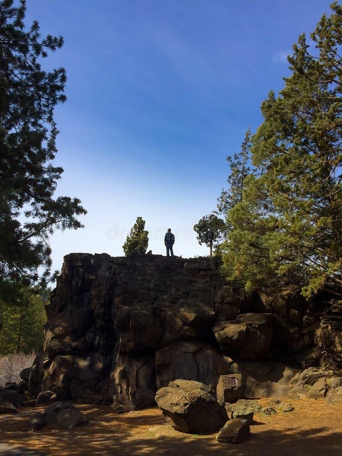 Foresta di Deschutes di esplorazione della roccia fotografie stock libere da diritti
