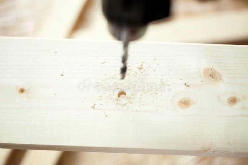 Download Foret électrique Et Planche En Bois Image stock - Image du menuiserie, réparation: 45362747