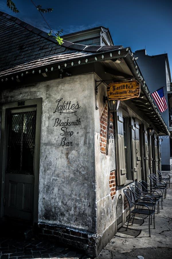 Forgeron Bar d'architecture de quartier français de la Nouvelle-Orléans photo stock