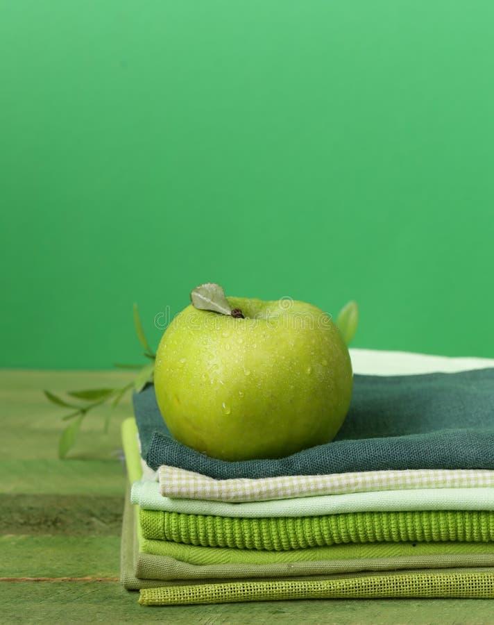 Forgeron de mamie vert frais de pomme photographie stock libre de droits
