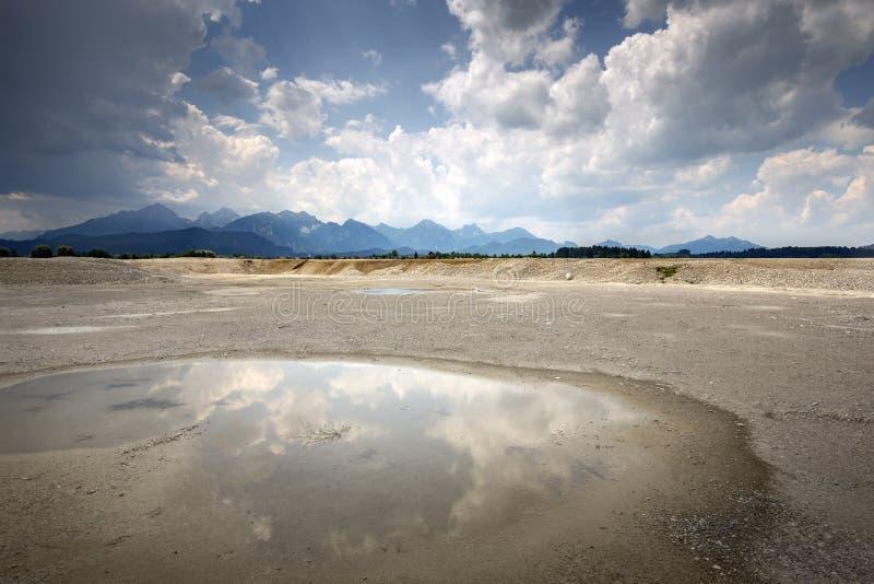 Forggensee See im Bayern, Deutschland, ohne Wasser lizenzfreie stockbilder