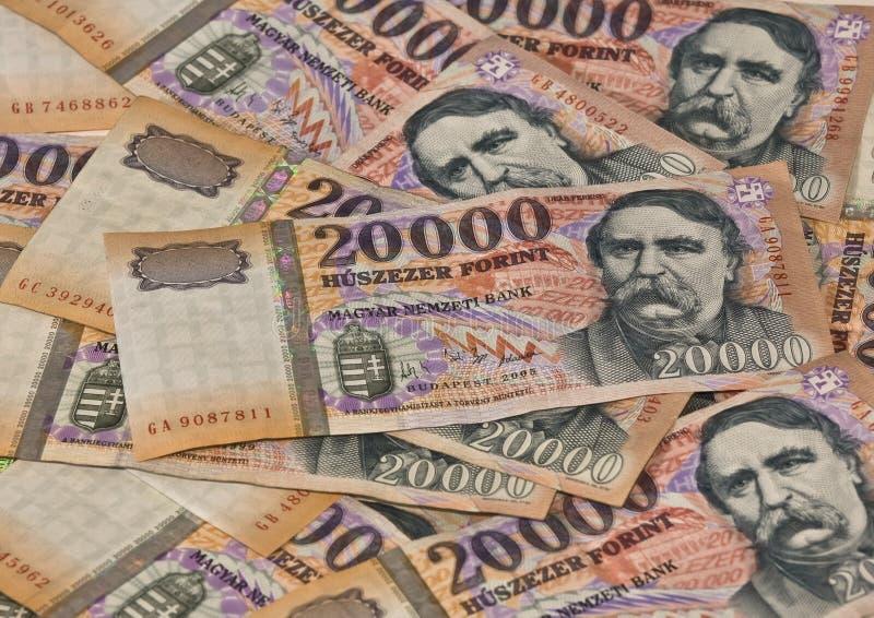 Forint del tousend del húngaro veinte de los billetes de banco del montón imagenes de archivo