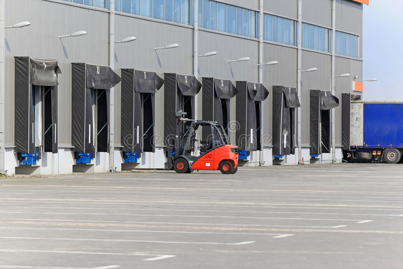 Forklift magazyn zdjęcie royalty free