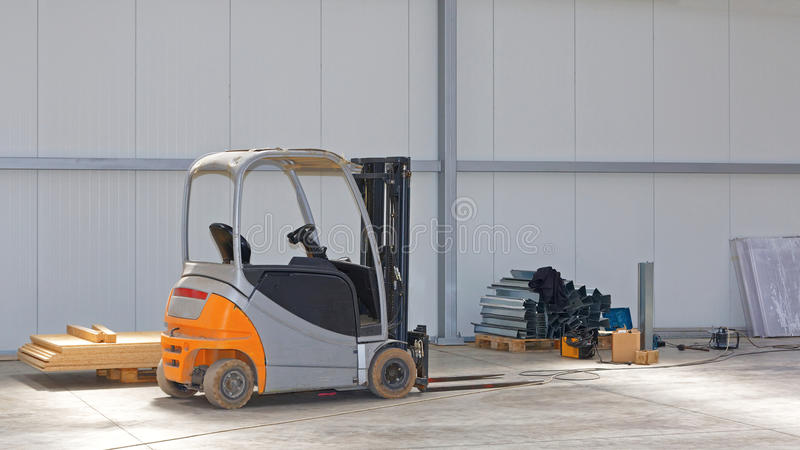 Forklift magazyn zdjęcia stock