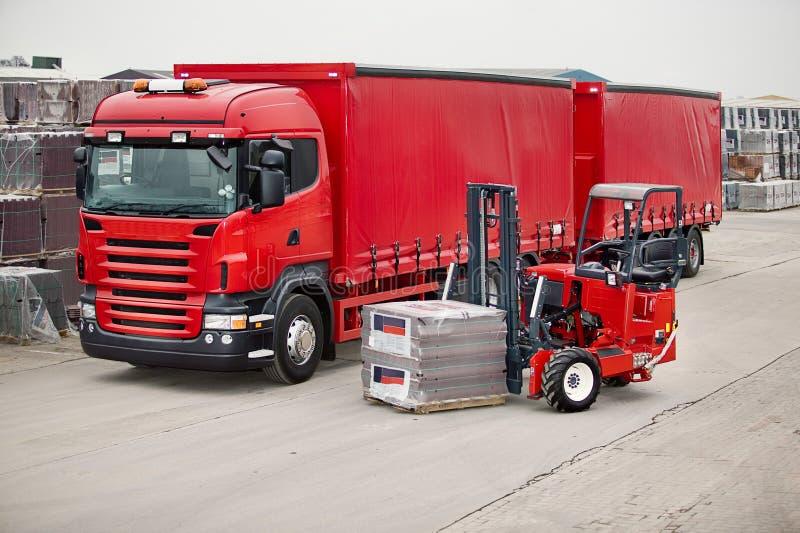 forklift wspinająca się ciężarówka obrazy royalty free