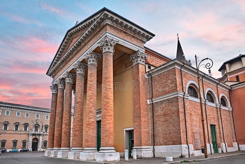 Forli, Emilia Romagna, Italia: catedral de Santa Croce foto de archivo