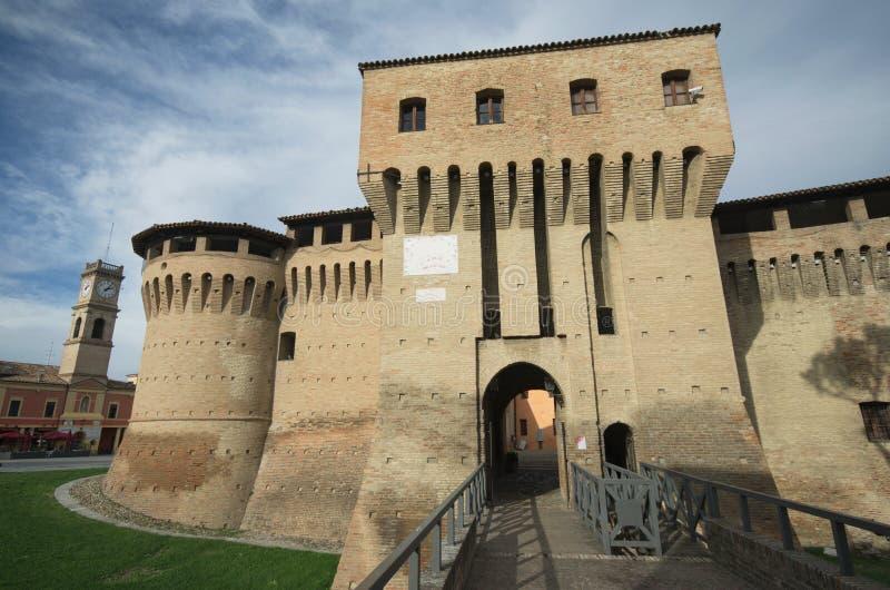 Forlimpopoli, hoofdingang van het kasteel stock foto