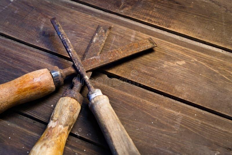 Formões de madeira velhos foto de stock
