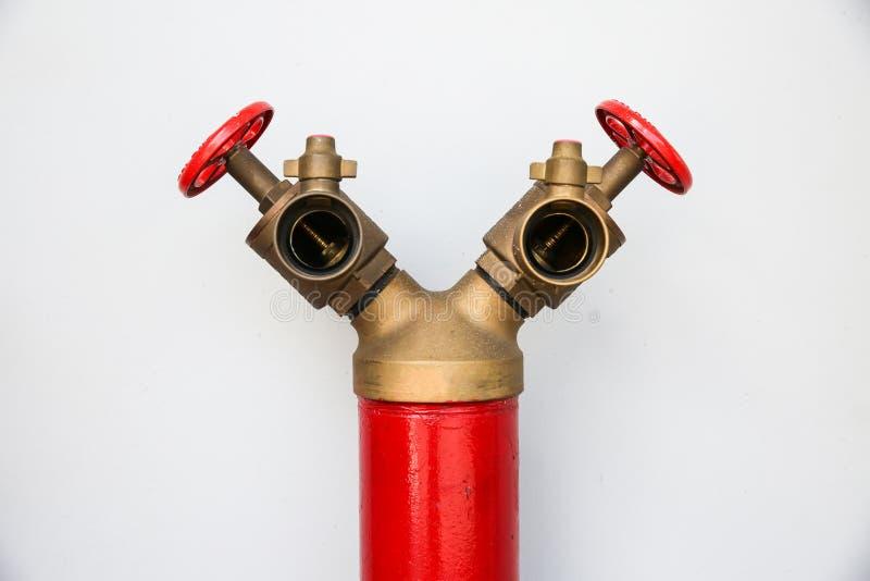 Form des Hydranten Y auf weißem Hintergrund lizenzfreie stockfotografie
