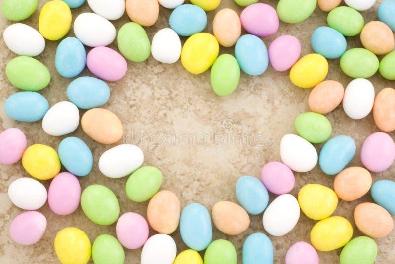 form för hjärta för kantgodiseaster ägg arkivfoton