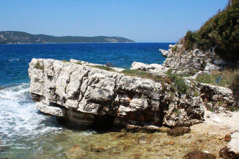 Formação da pedra de Korfu da costa imagem de stock