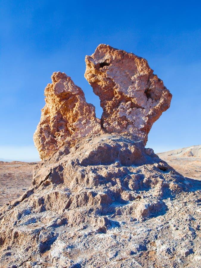 Formação de rocha estranha no vale da lua de Atacama fotografia de stock royalty free