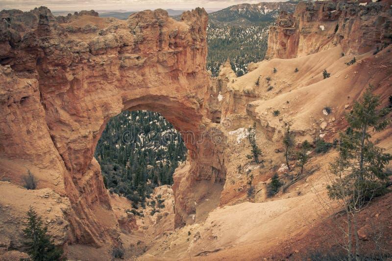 Formação de rocha natural da ponte em Bryce Canyon National Park, fotografia de stock royalty free