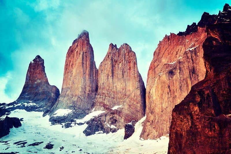 Formação de rocha de Torres del Paine, Patagonia, o Chile imagens de stock