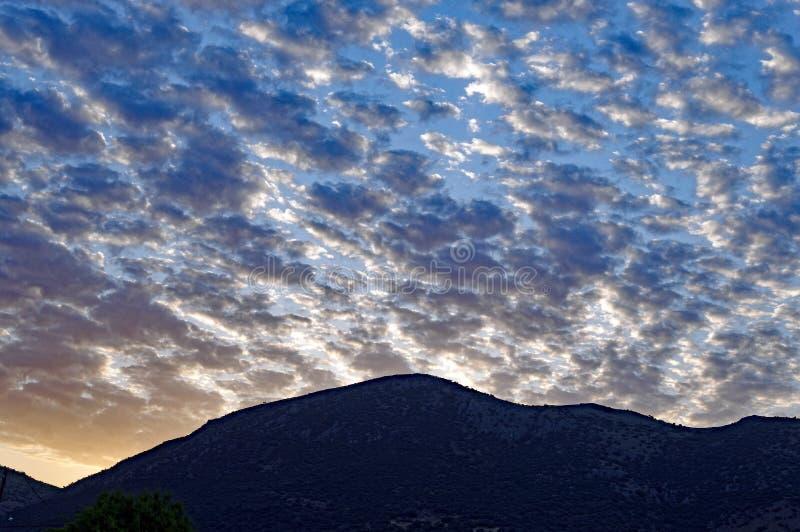 Formação dramática da nuvem de cúmulo, nascer do sol fotografia de stock royalty free