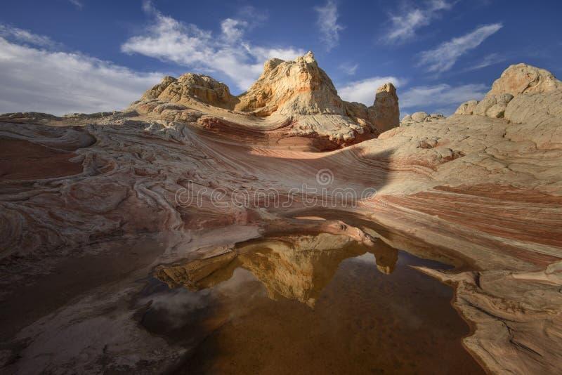 Formação e reflexão de rocha no nascer do sol, bolso branco, o Arizona imagens de stock royalty free