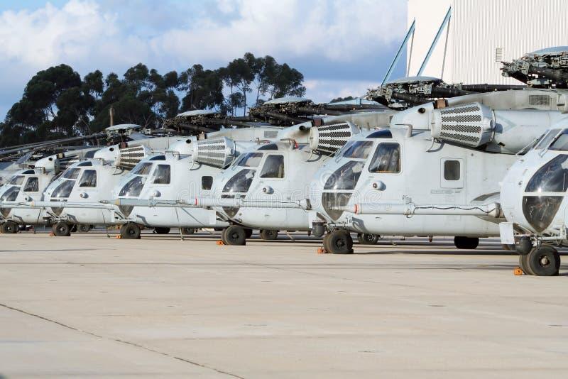Formação militar do helicóptero imagens de stock
