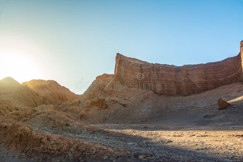 Formação no vale da lua - deserto do anfiteatro de Atacama, o Chile fotografia de stock royalty free