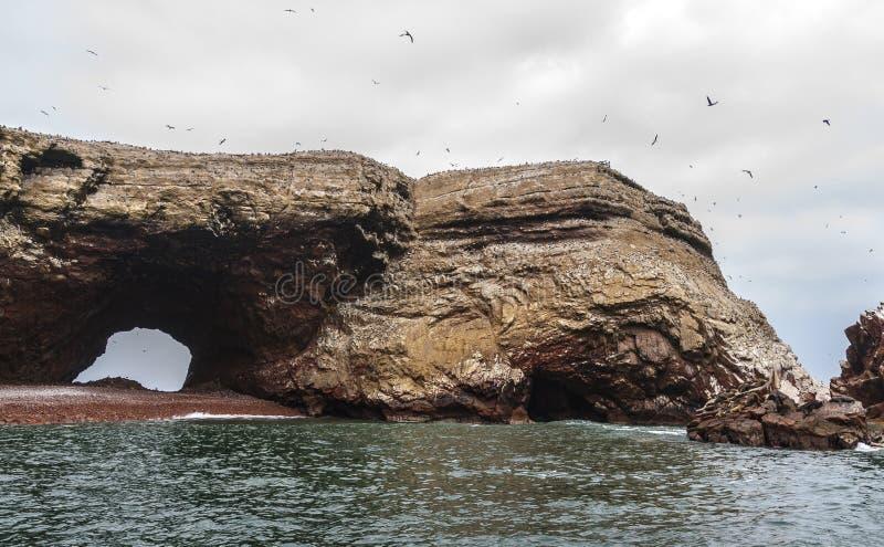 Formação rochosa de Islas Ballestas fotografia de stock