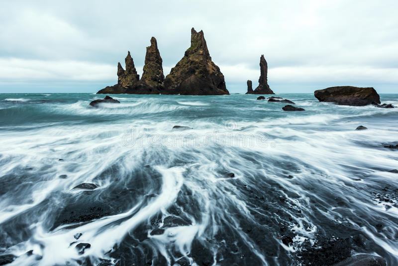 Formações de rocha do basalto foto de stock