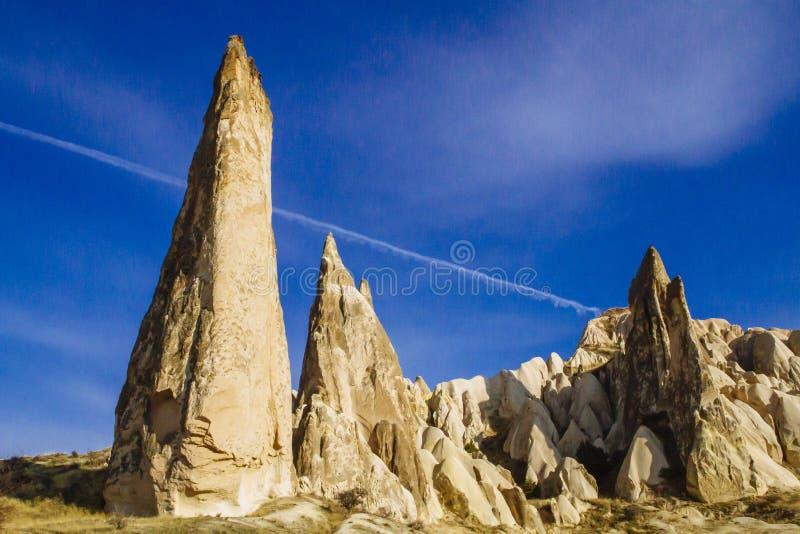 Formações de rocha feericamente da chaminé em Cappadocia, Turquia central imagem de stock