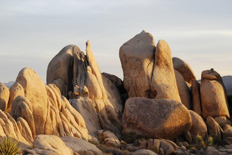 Formações de rocha na luz do por do sol fotografia de stock royalty free
