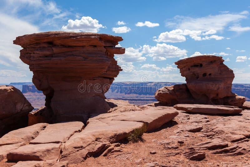 Formações Geological na opinião de cavalo inoperante em Utá fotos de stock