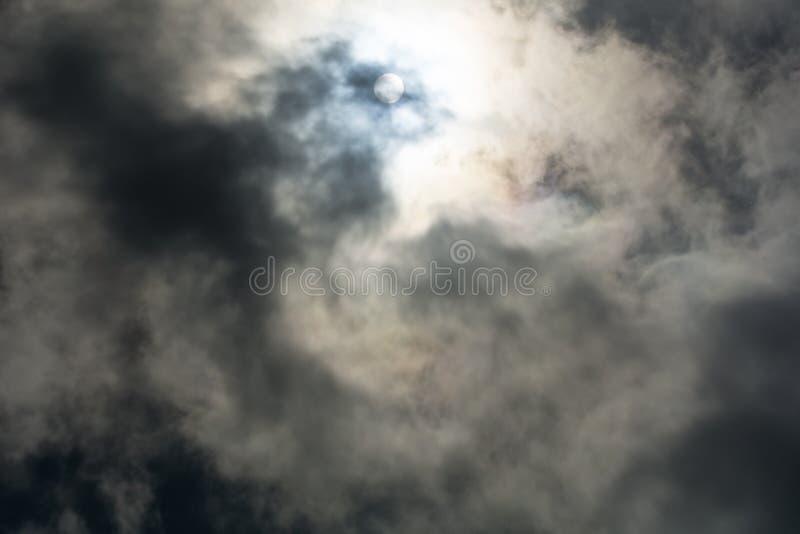 Formações tormentosos escuras aéreas pesadas da nuvem fotografia de stock royalty free