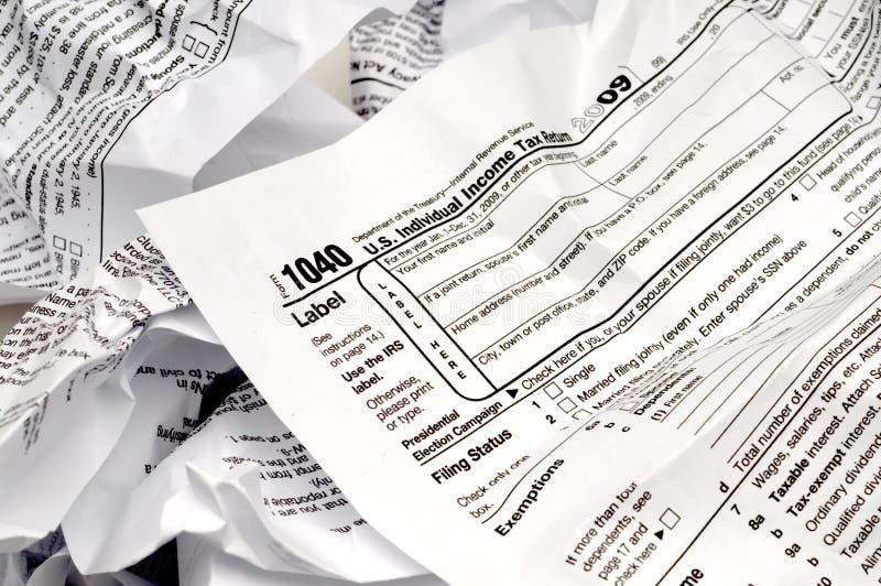 Forma arrugada del impuesto sobre la renta W-9 fotografía de archivo