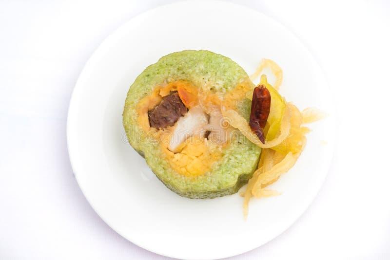 Forma cilindrica vietnamita del dolce di riso appiccicoso - tet di Banh fotografie stock libere da diritti
