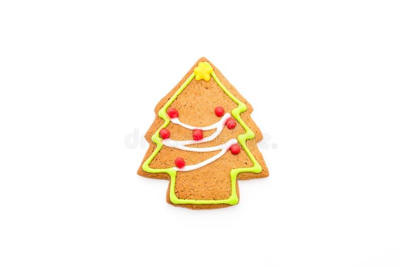 Forma del árbol de navidad del pan de jengibre en blanco imagen de archivo libre de regalías