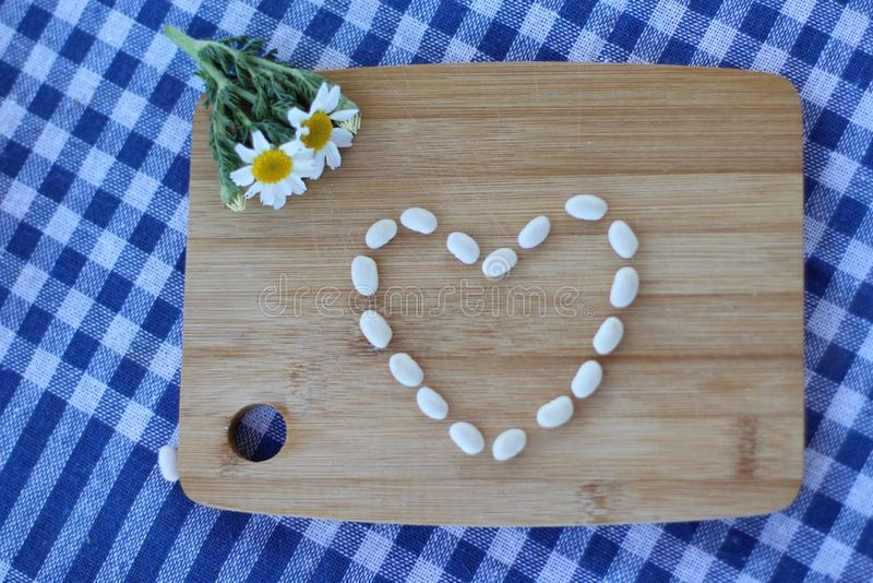 Forma del corazón de las legumbres foto de archivo