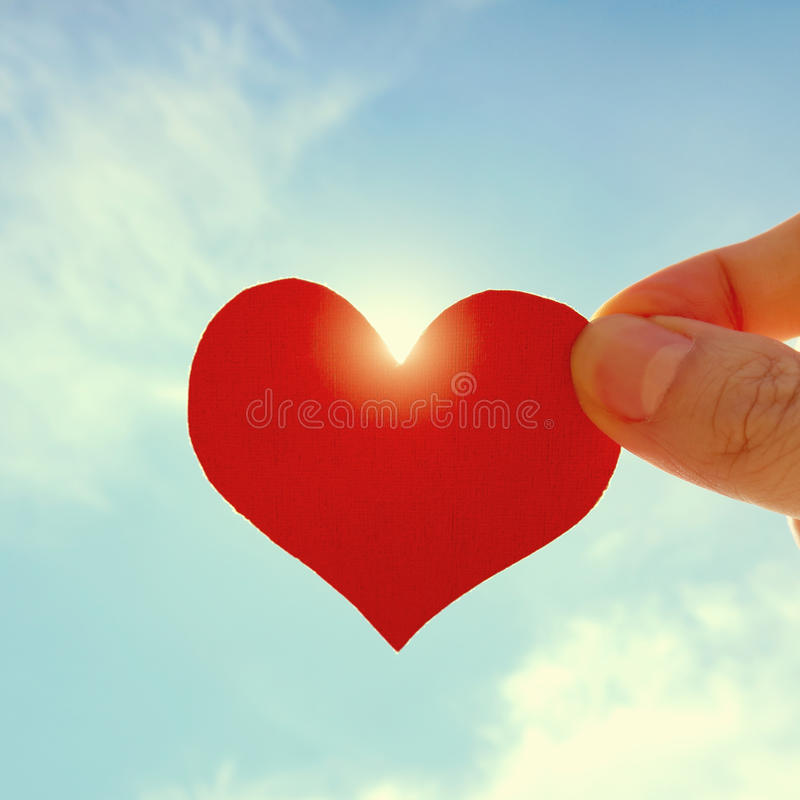 Forma del corazón en el cielo fotos de archivo