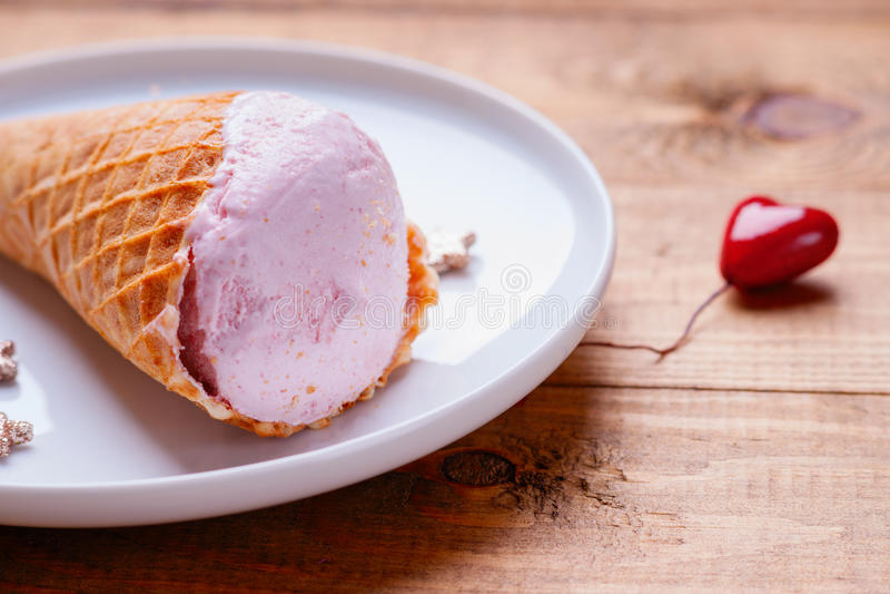 Forma del gelato e del cuore fotografie stock libere da diritti