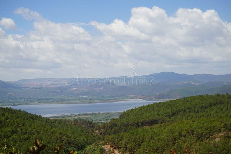Forma del lago Lashi lontano fotografia stock libera da diritti
