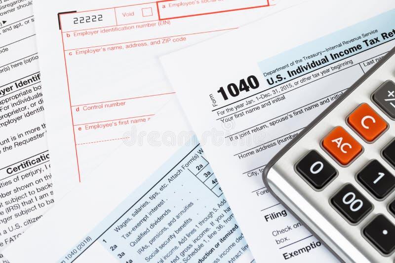 Forma di ritorno dell'imposta sul reddito delle persone fisiche dal IRS, concetto per tasse immagini stock