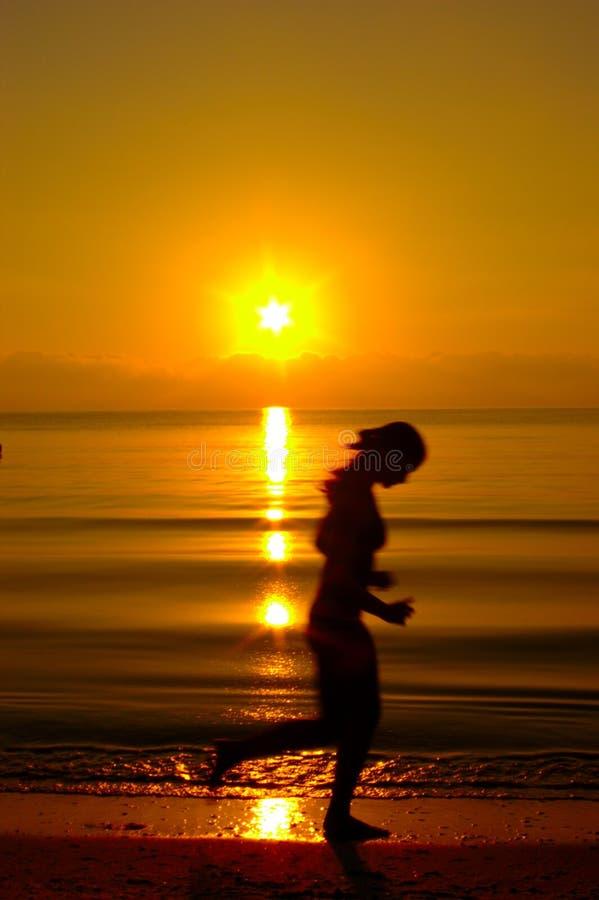 Forma fisica sulla spiaggia fotografia stock